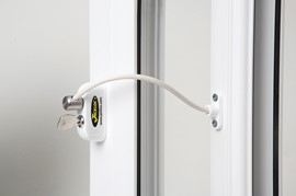 Pro 5 Key Locking Window Restrictor - White
